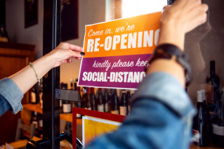 amidst business challenges wide-format printers turn to social distance signage