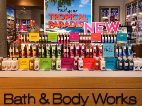 Duggal Visual Solutions helped Bath & Body Works with a retail branding effort.