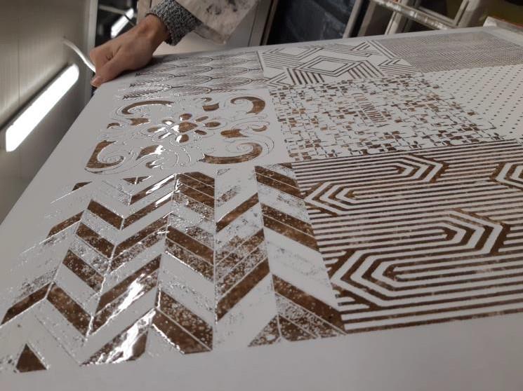 Digital tile glazing with Durst Gamma DG technology.