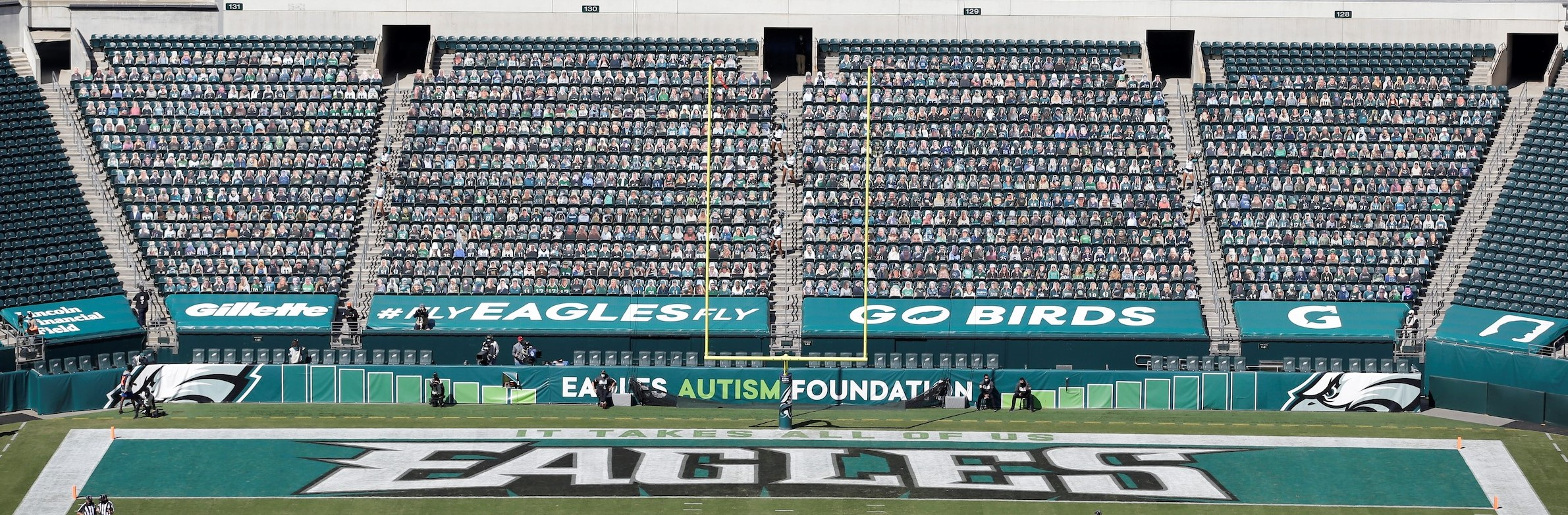 Ricoh and the Philadelphia Eagles partner to offer fan cutouts.