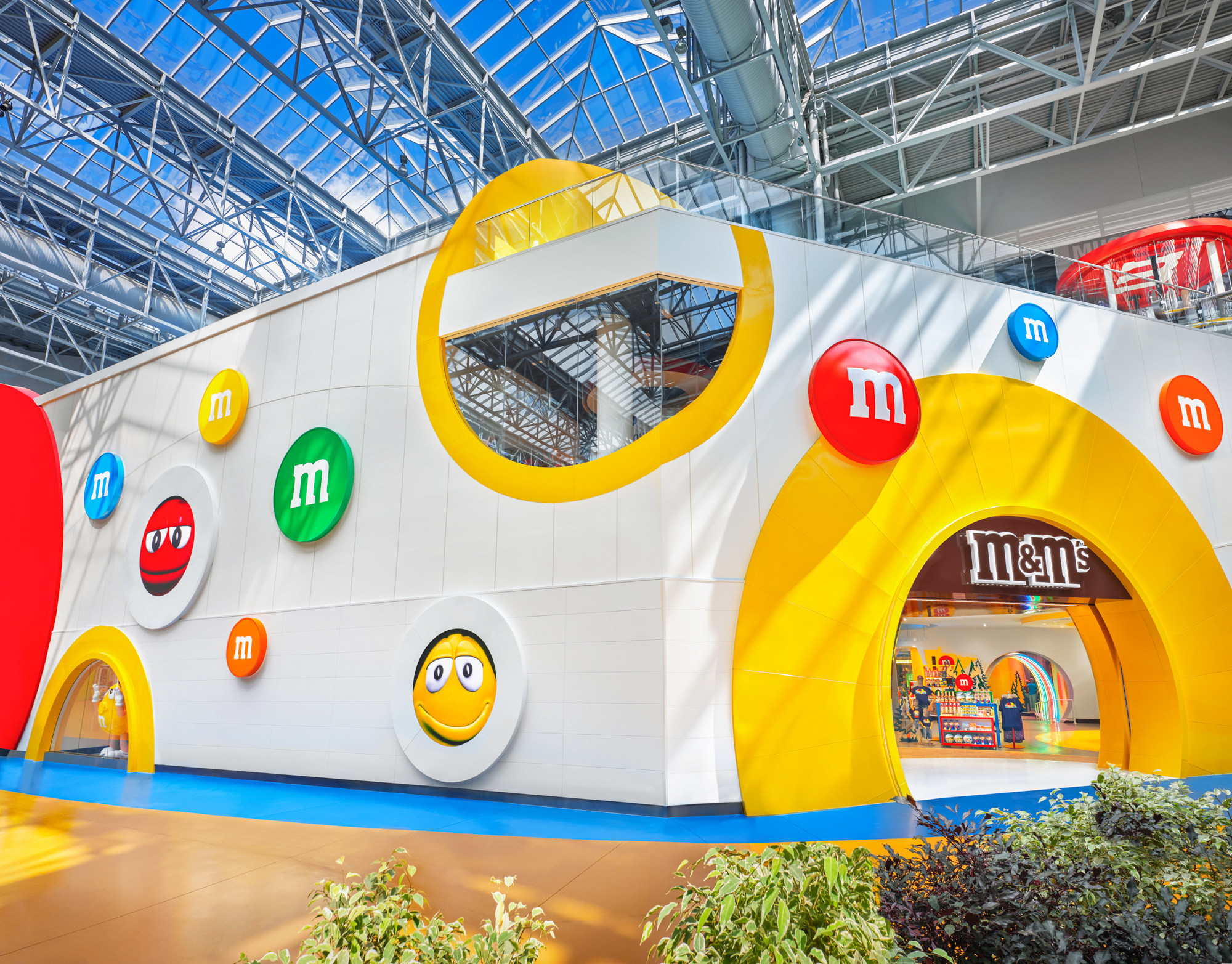 The Duggal Inno Lab designed, engineered and installed the digital displays that power M&M's Mall of America.